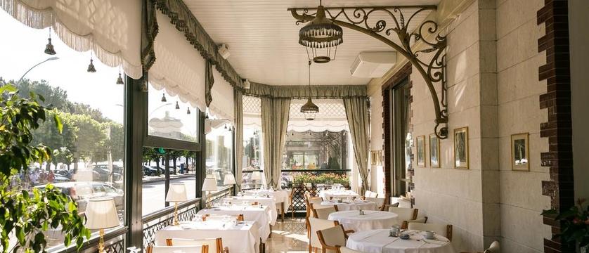 Hotel Milan au Lac Terrace.jpg